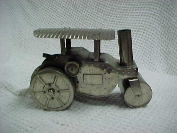 14: Rare Kingsbury wind-up road roller Stainless