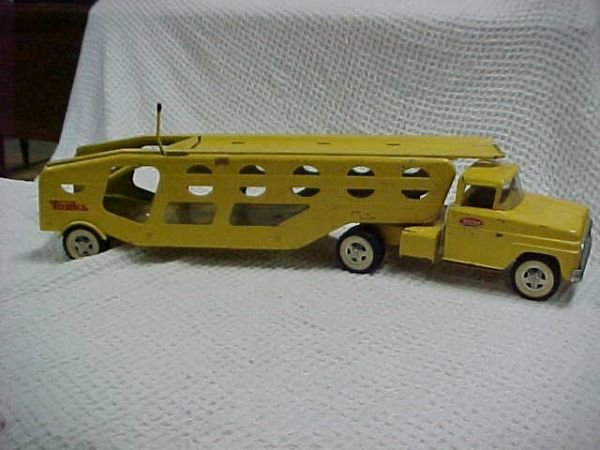 21: 1960's Tonka car hauler large version