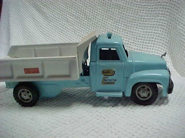 22: 1950's Ford Buddy L steerable dump truck