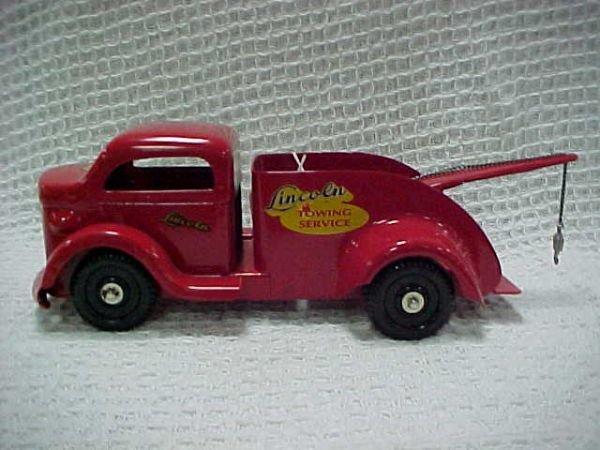 1509: Rare Richmond Shortie toy truck.