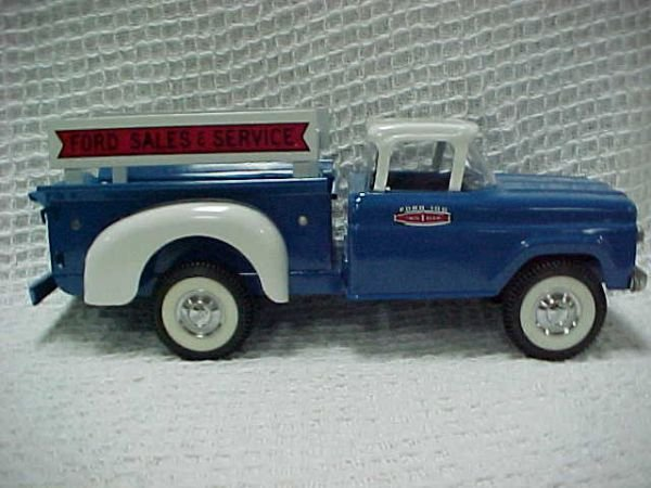 """1519: 1950's Ford pickup """"Parts Dept"""" delivery truck"""
