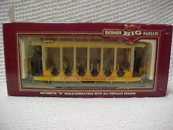 1523: Bachmann  trolley w/all features.