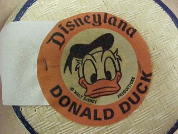 1585: Early Disney Donald Duck hat.  Original & rare. - 2