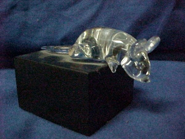 3017: George Frable crystal mouse on stand.
