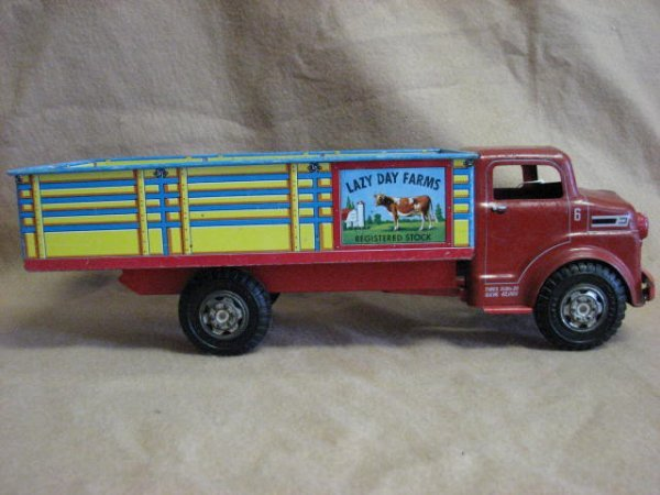 10: 1950's Marx Lazy Day farm truck tin litho original
