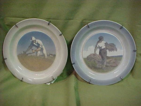 221: pair Royal Copenhagen plates