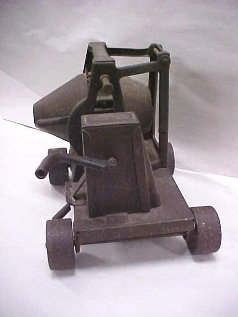 126: (14) Antique toy RARE 1920s Buddy L cement mixer - 2