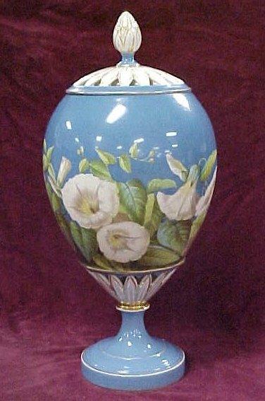 413: Old Paris rose urn vase reticulated base lid