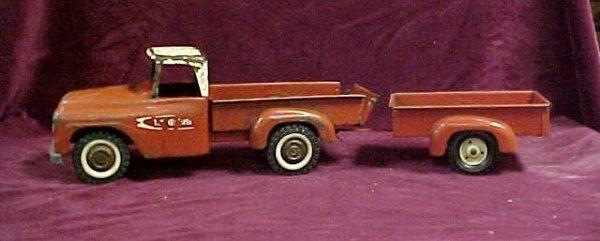701: 1961 Tru-scale International pickup w trailer
