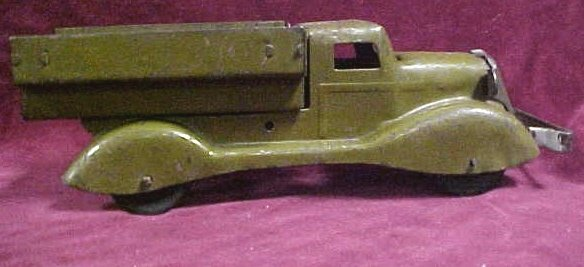 705: 1930s Marx Military toy truck