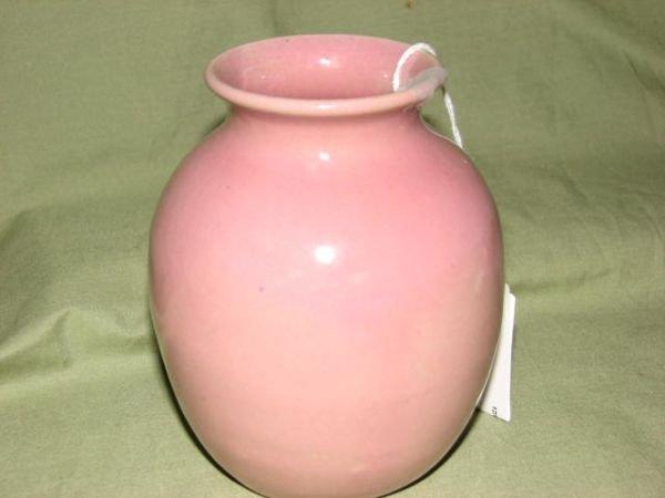 15: W.J. Gordy pink glaze vase.