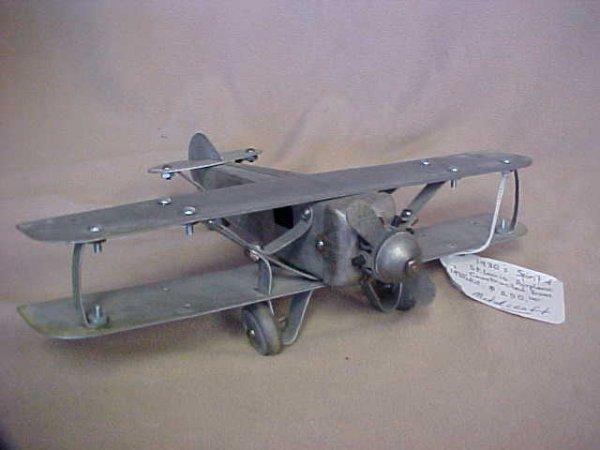 15: 1930's Sprit of St. Louis Ariplane Metal Craft.