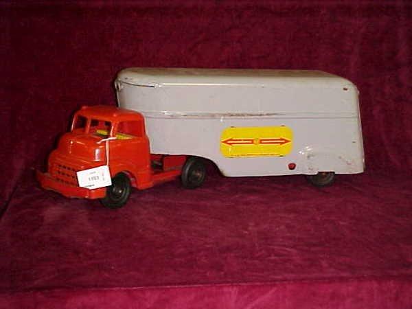 1103: 1950s Wyendoffe Trucklines