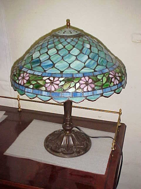 50: Leaded & stain glass Handel parlor lamp