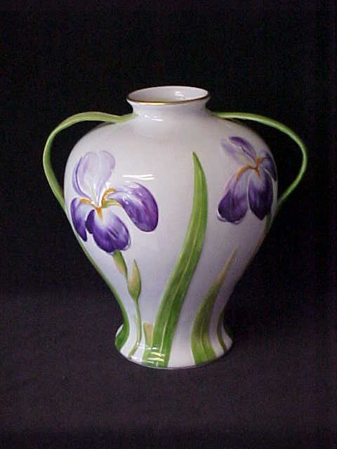 13: Beautiful handpainted floral vase Herend Hungary.