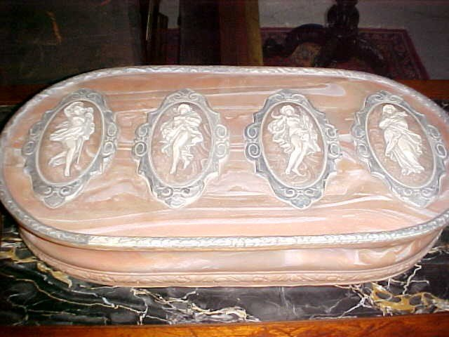 12: Large pink Nocla dresser box from Prince Faisal est