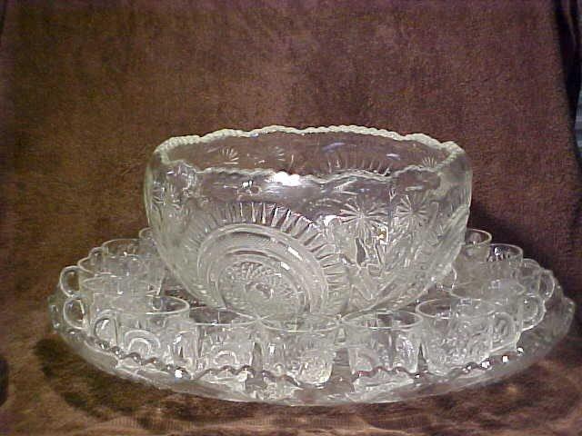 1003: Large pattern glass punch bowl set w/cups & platt
