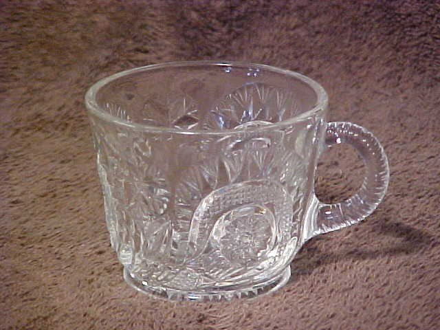 1003: Large pattern glass punch bowl set w/cups & platt - 4