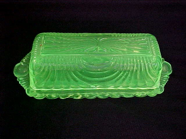 1015: Cambridge Vaseline butter dish.