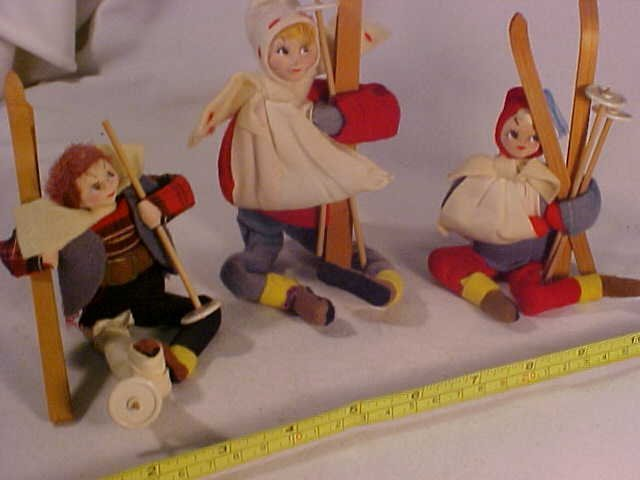 25: Lot of 3 Early Possible Snow Skiing Dolls