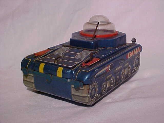 33: Tin litho Gama tank toy