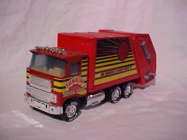 35: Nylint toy garbage truck w/original box