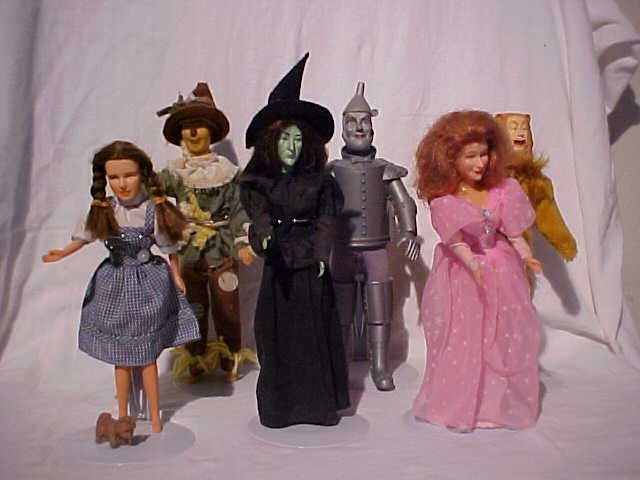 28: Lot of 6 Wizard of Oz Character Dolls