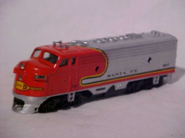 """162: Bachmann """"Santa Fe 307"""" model train engine"""