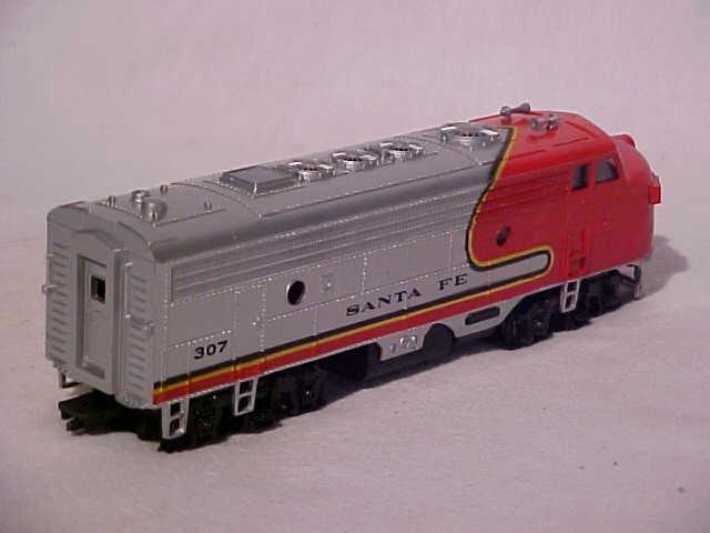 """162: Bachmann """"Santa Fe 307"""" model train engine - 2"""