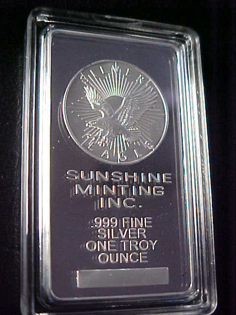 26: 1 troy ounce silver bar Silver Eagle.