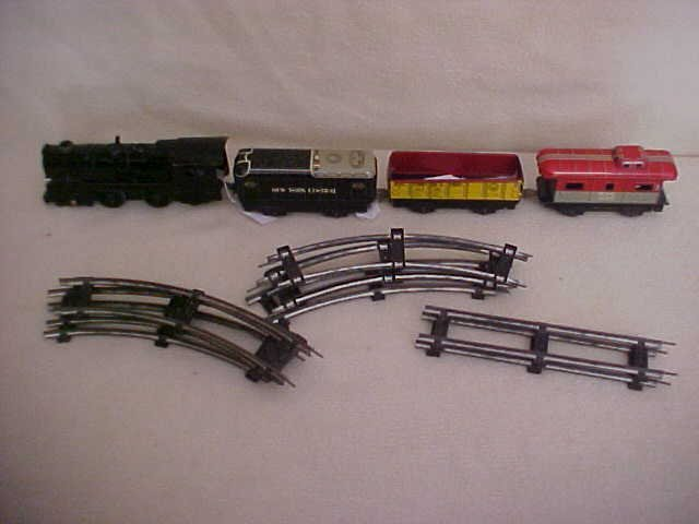 20: Marx 4 car train set w/track