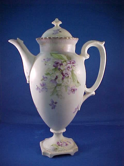 2003: Vintage R.S. Prussia hand painted Chocolate pot p