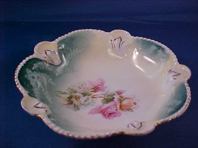 2013: R.S. Prussia Hand painted bowl.