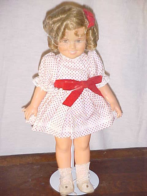 3004: 1978 Shirley Temple doll by Ideal.