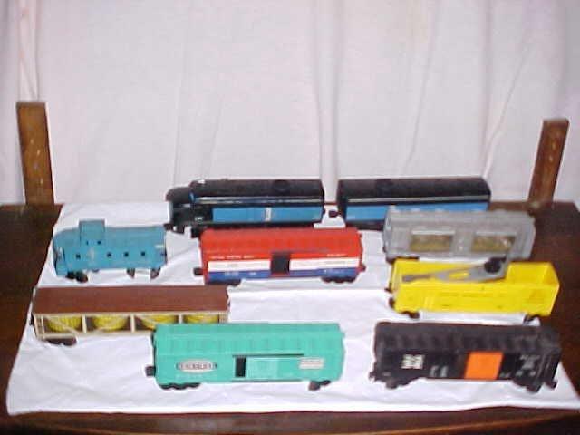 3037: Lionel Diesel switcher trains set 9 pieces. HO