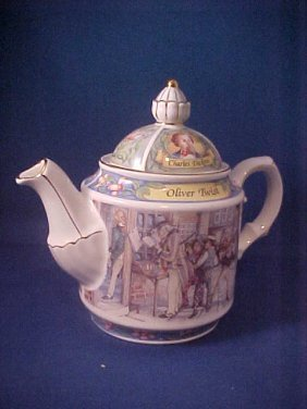 """4002: Signed Sadler china tea pot """"Oliver Twist"""""""