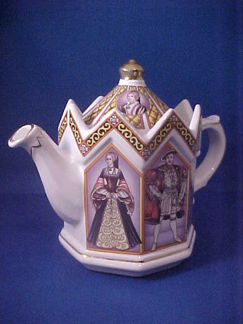 4006: Signed Sadler china tea pot
