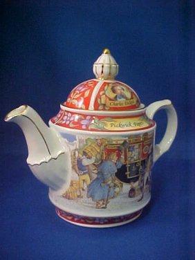"4016: Signed Sadler china tea pot ""Pickwick Papers"""