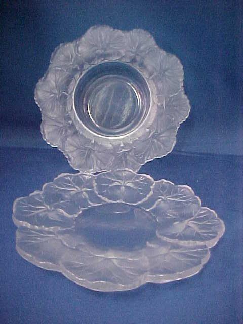 4001: 2 pieces signed Lalique bowl & plate.