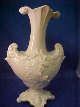 4003: Signed Belleek vase w/early markings.
