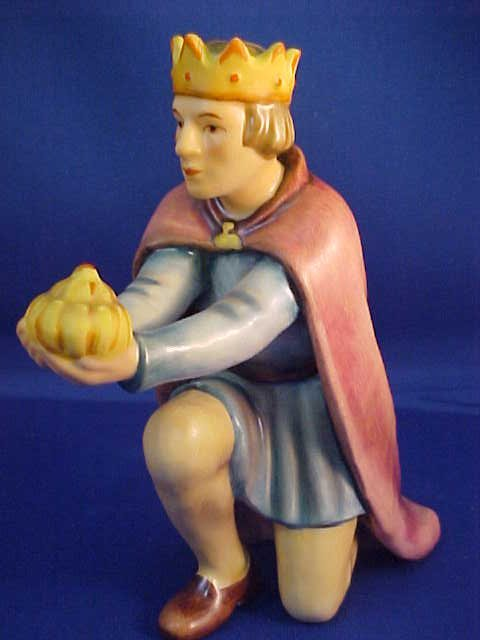 "4075: Signed Hummel ""King Kneeling"" figurine w/box"