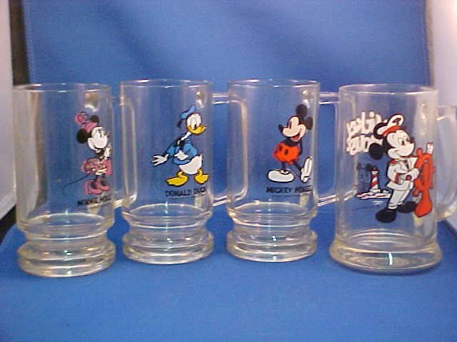 Set of 4 Disney collectors mugs