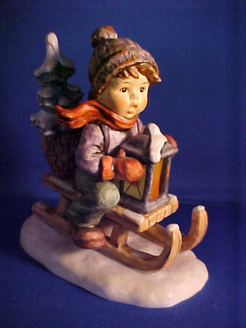 Hummel figuriine Ride into Christmas 5-5/8""