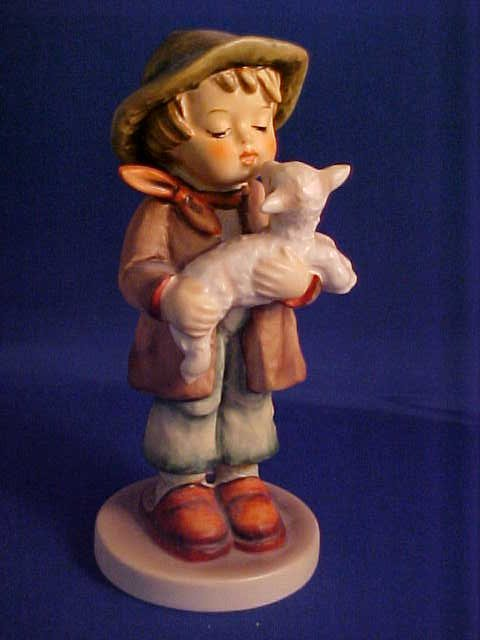 Hummel figurine Girl w/lamb 5-1/2""