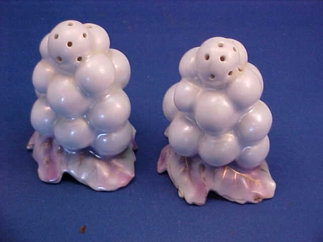 "Royal Bayreuth White Grape 3-1/4""t Salt and Pepper"