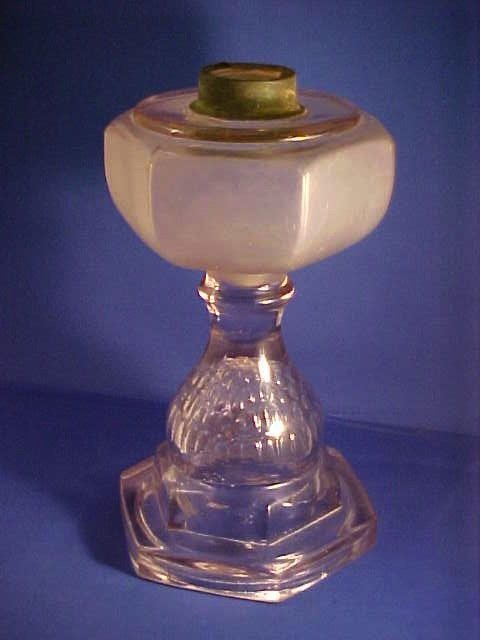 Oil lamp with Amethyst tint