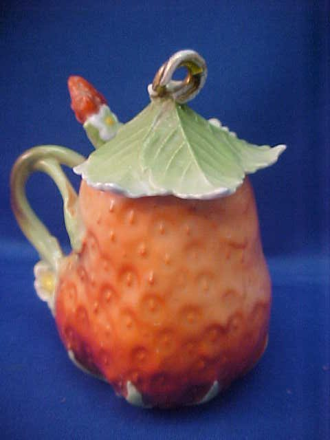 """Royal Bayreuth Strawberry 4""""t Condiment w/lid and spoon"""