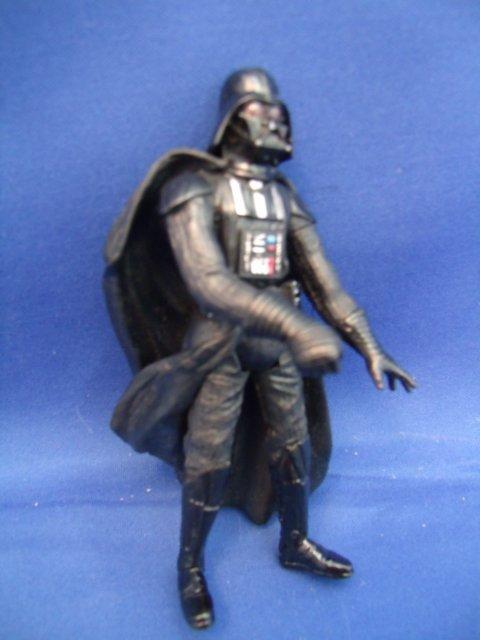 Hasbro 2001 Darth Vader Star Wars Figurine