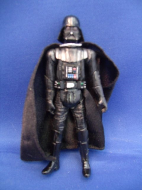 Hasbro 2004 Darth Vader Star Wars Figurine