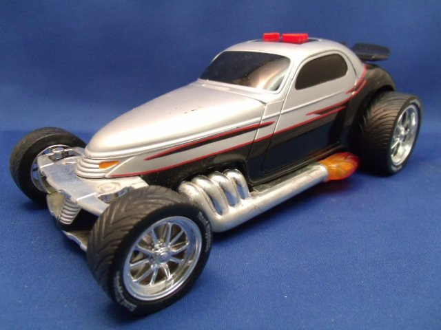 """8-1/2"""" long 1998 Toy State & Industrial car"""